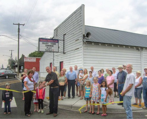 Spangle Ribbon Cutting